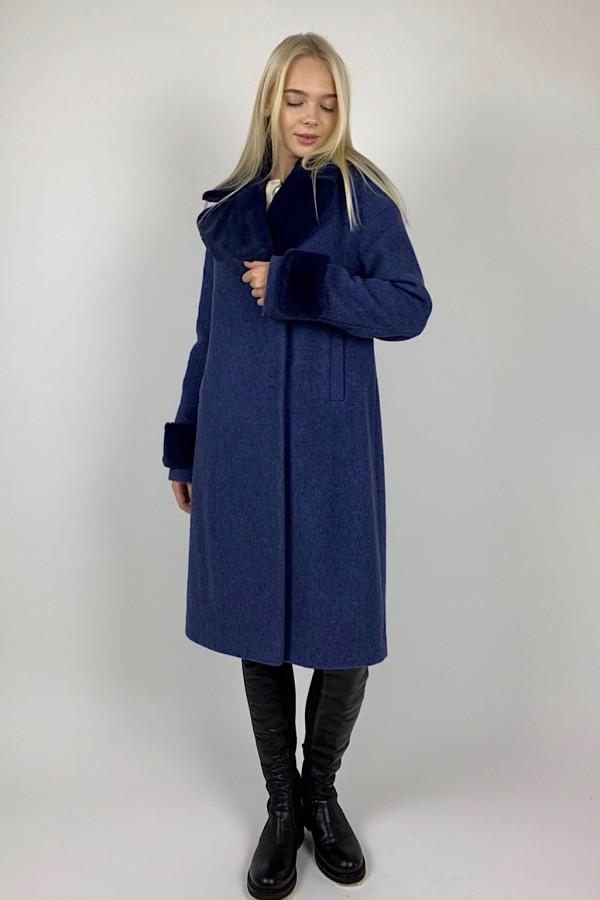 Mėlynos spalvos paltas