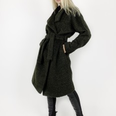 Tamsiai žalios spalvos paltas