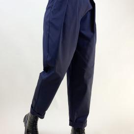 Mėlynos spalvos kelnės