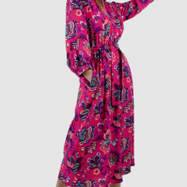 Ciklameninės spalvos suknelė