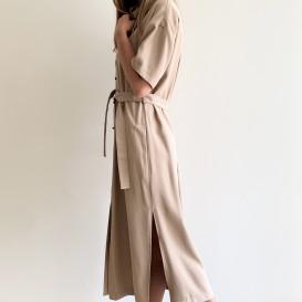 Šveliai rudos spalvos suknelė