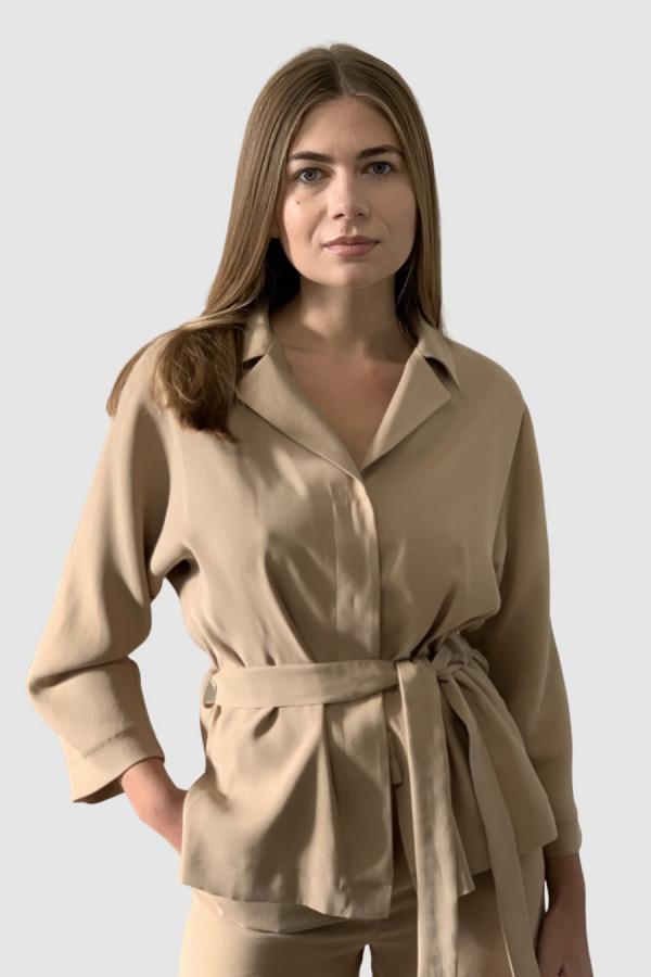 Švelniai rudos spalvos švarkas