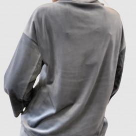 Pilkos spalvos džemperis