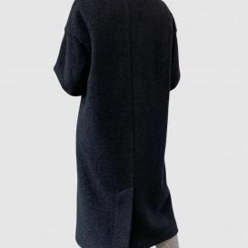 Juodos spalvos paltas