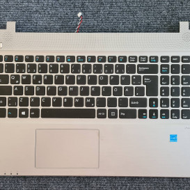 Medion Akoya E6418 (palmrest su klaviatūra)