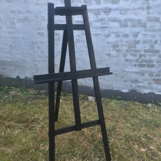 Juodas medinis molbertas (Mb - 7)