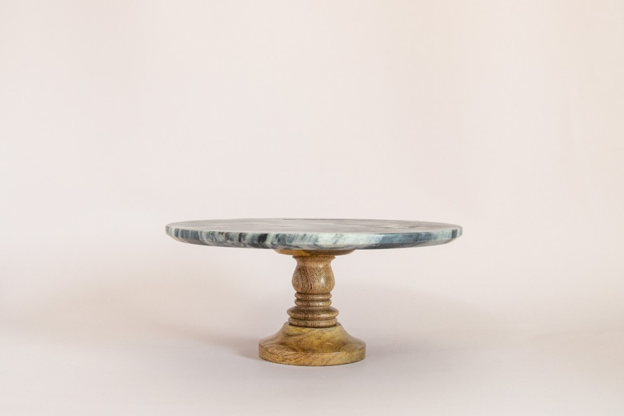 Akmeninė tortinė su medine koja (Di - 35)