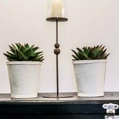 Žvakidė ant plonos kojelės (Ž-11)
